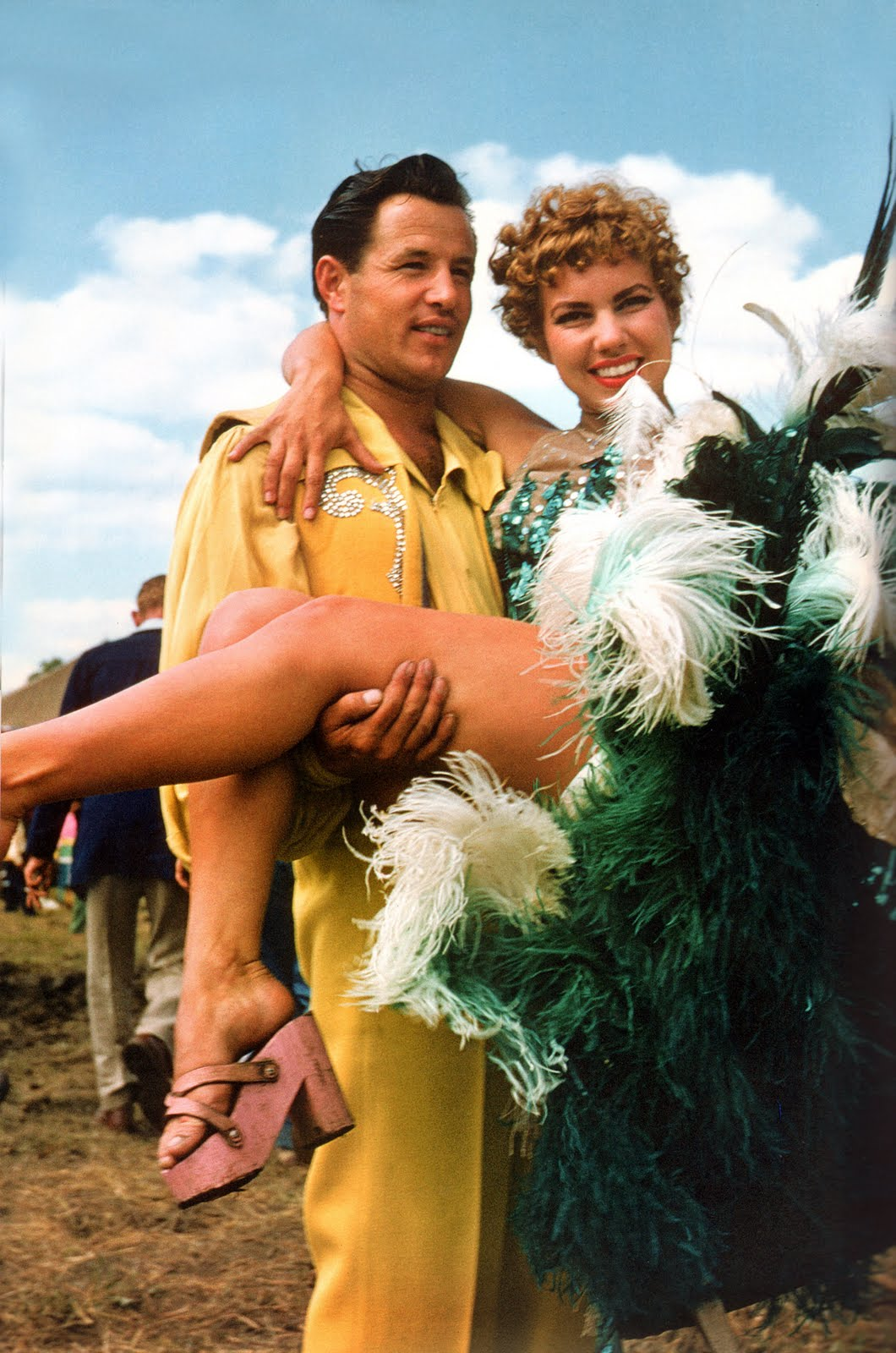 showgirl-circus-performer-couple-1954