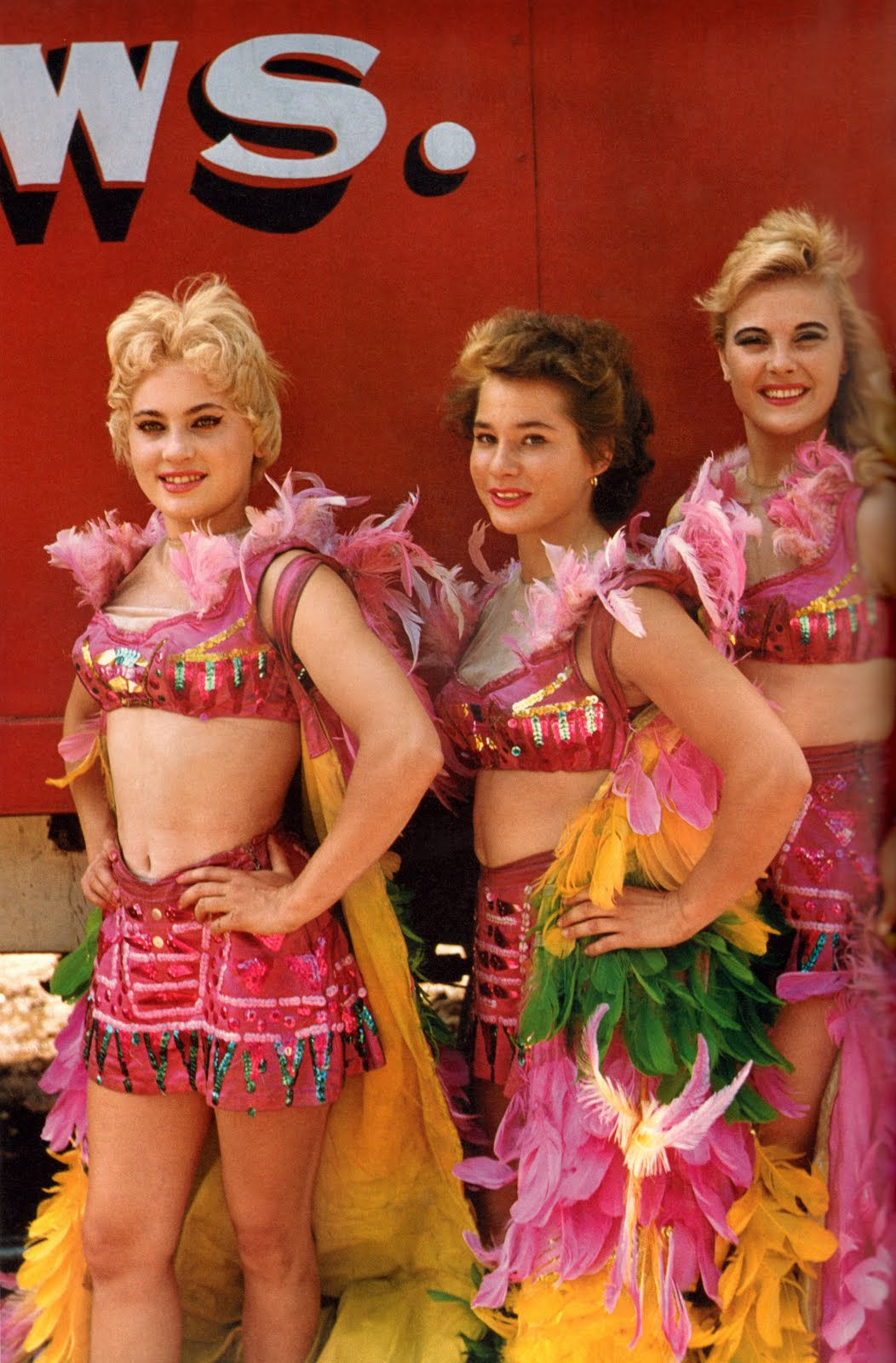showgirl-circus-women-1956