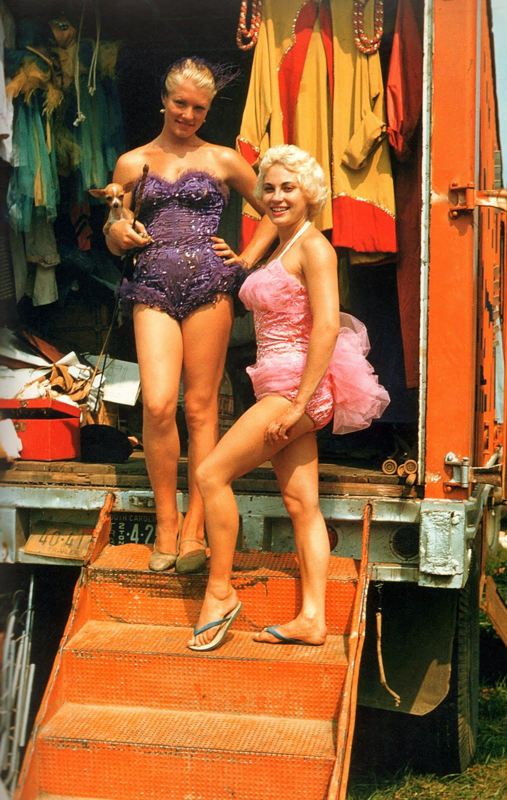 showgirl-wardrobe-wagon-1959