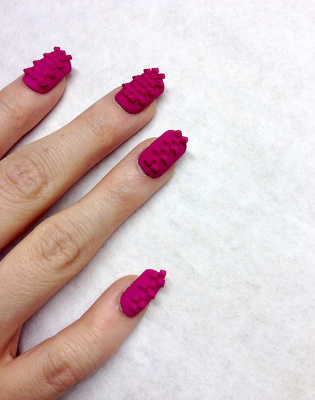 3d-manicure-sarah-awad-dhemerae-ford-03