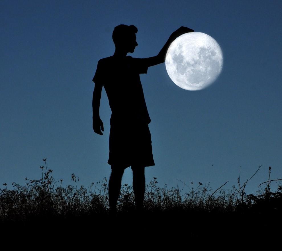 adrian-limani-moon-06