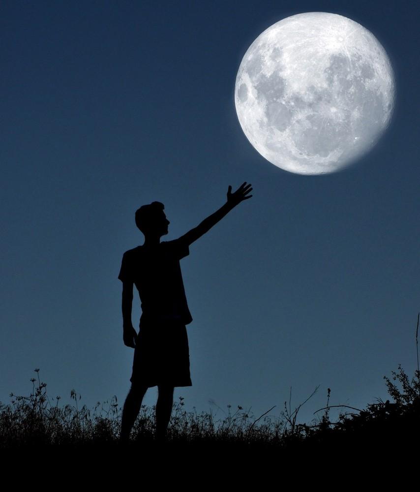 adrian-limani-moon-08