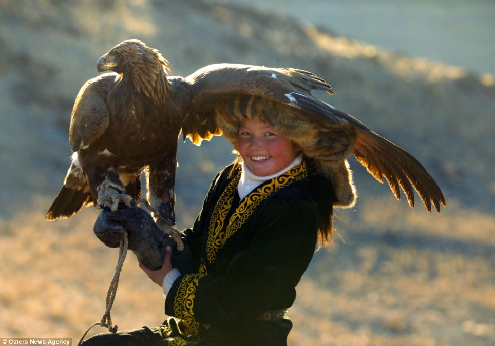 asher-svidensky-eagle-hunters-12