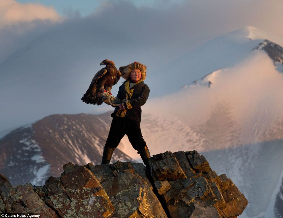 asher-svidensky-eagle-hunters-13