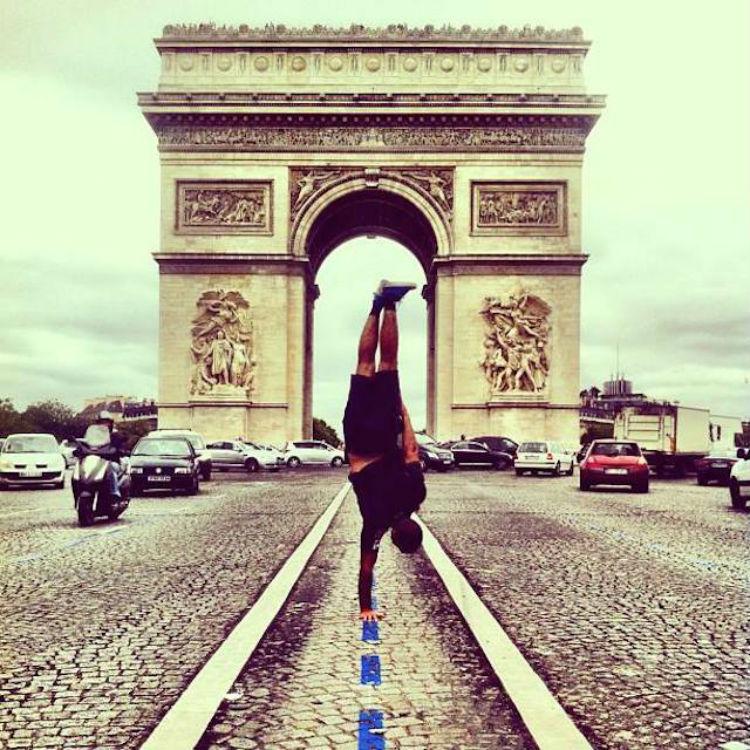 kapstand-paris-Arc-de-Triomphe