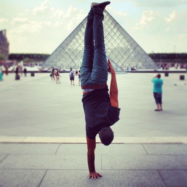 kapstand-paris-Louvre