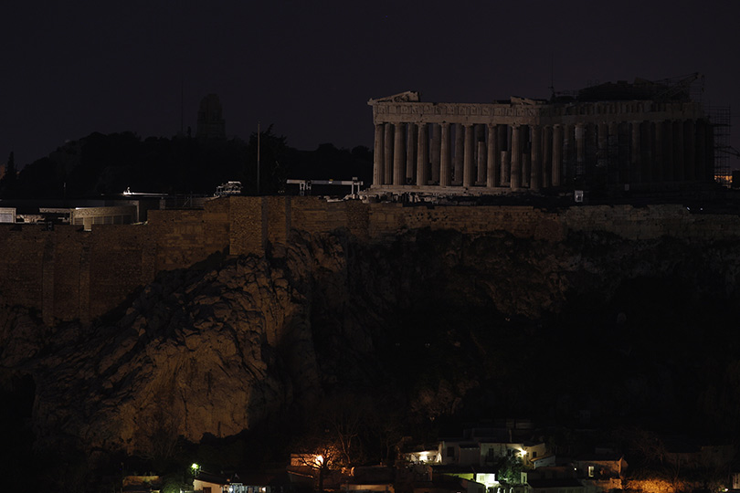 earth-hour-2014-acropolis-athens