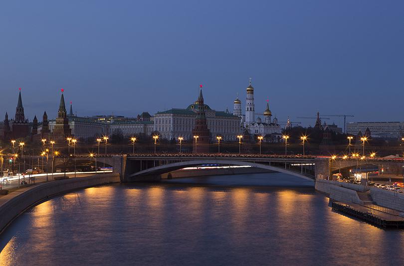earth-hour-2014-kremlin-Moscow