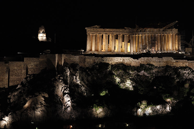 earth-hour-2014-parthenon-in-athens-lit
