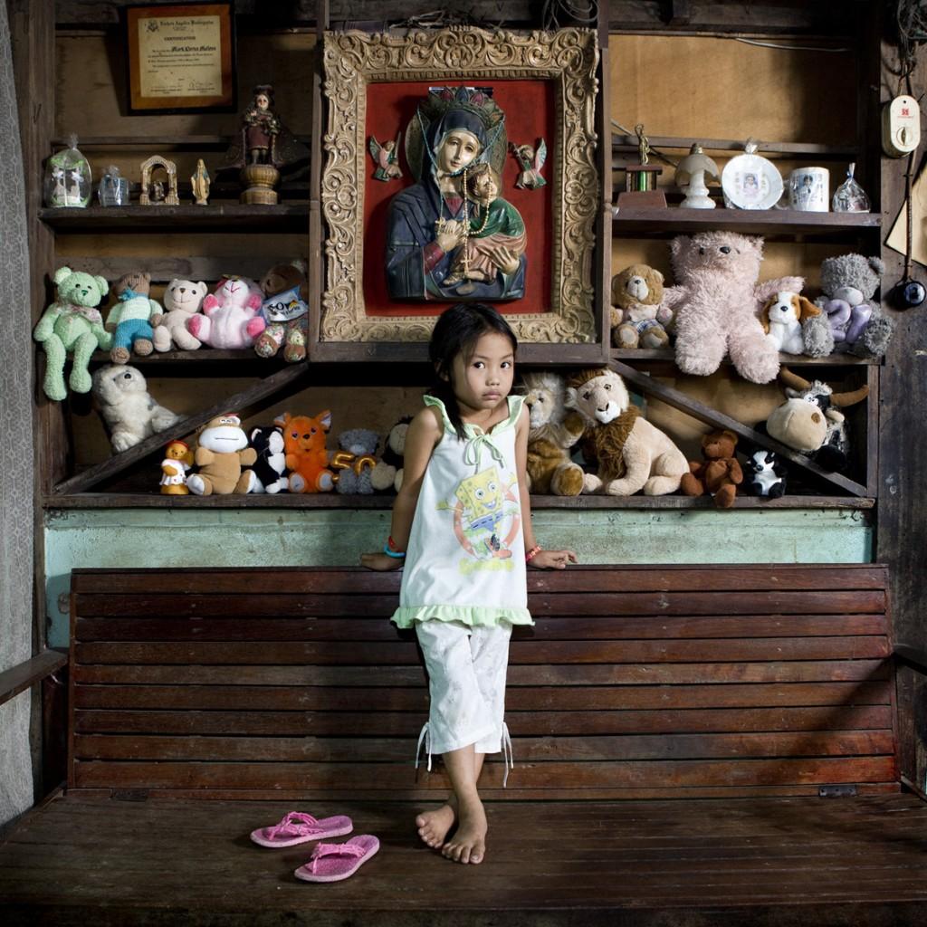 gabriele-gamberti-toystories-Allenah-Lajallab-el-nido-Philippines
