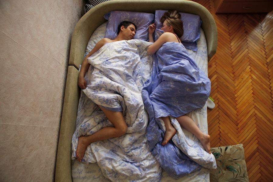 pregnant-parent-portraits-waiting-jana-romanova-04