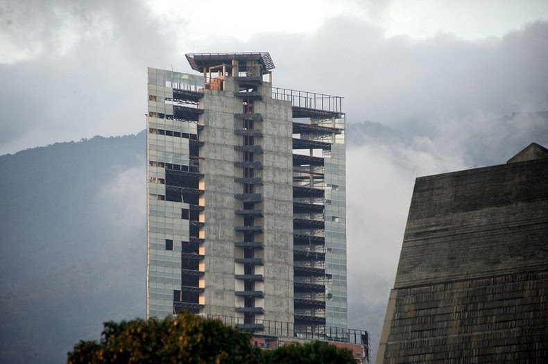 tower-of-david-venezuela-07