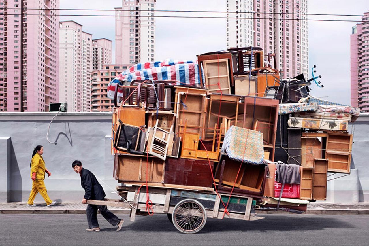 alain-delorme-totem-overloaded-cart-01