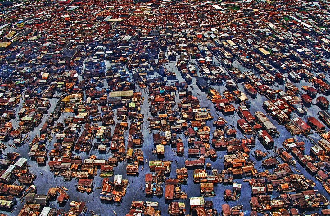 makoko-floating-slum-01