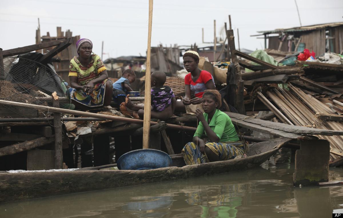 makoko-floating-slum-03