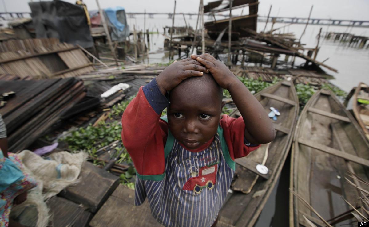 makoko-floating-slum-04