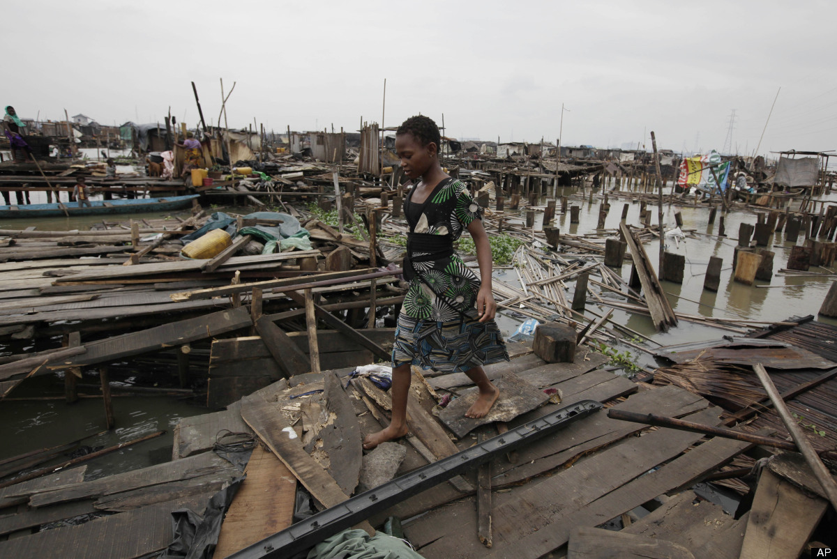 makoko-floating-slum-06