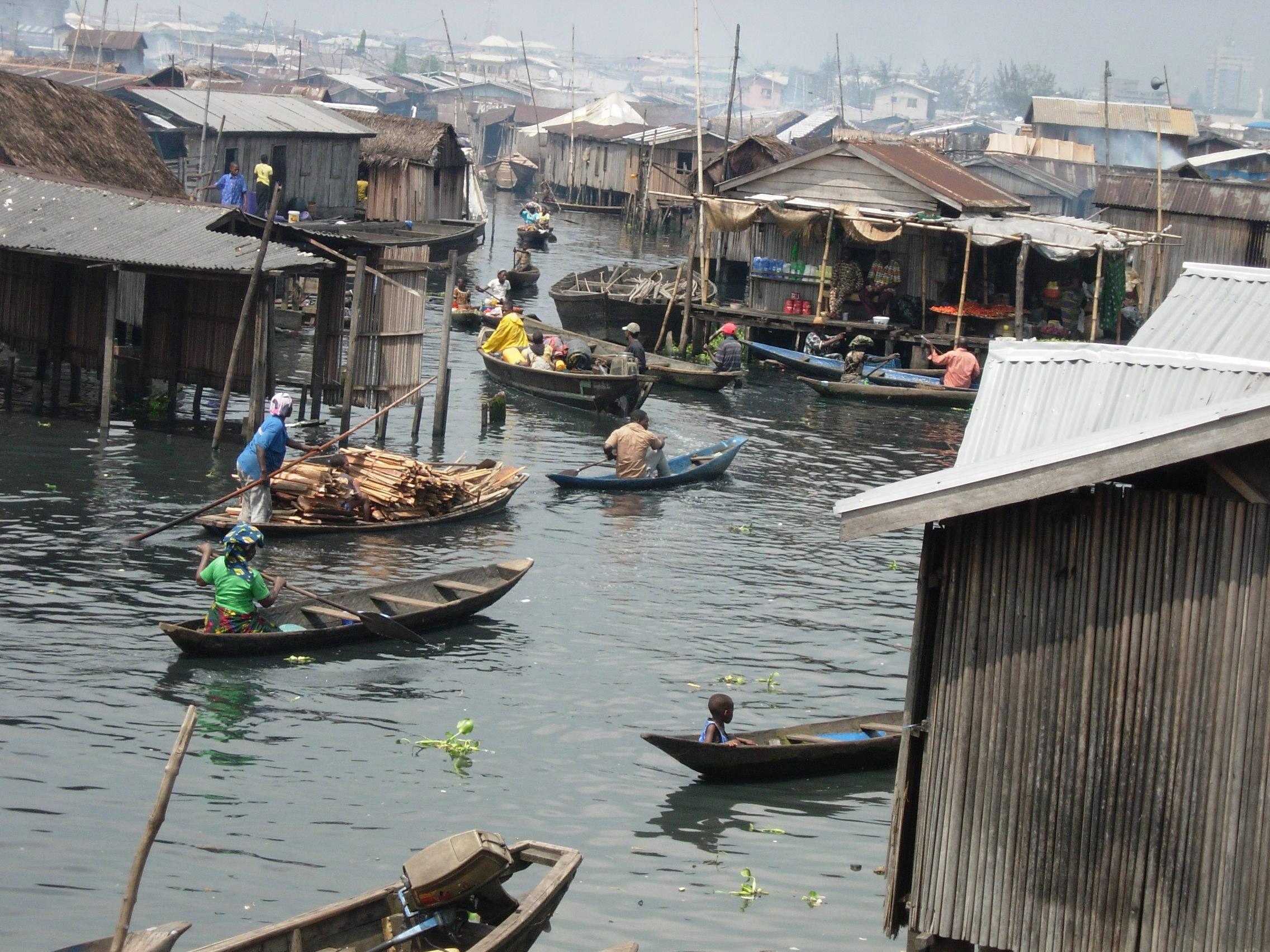 makoko-floating-slum-08