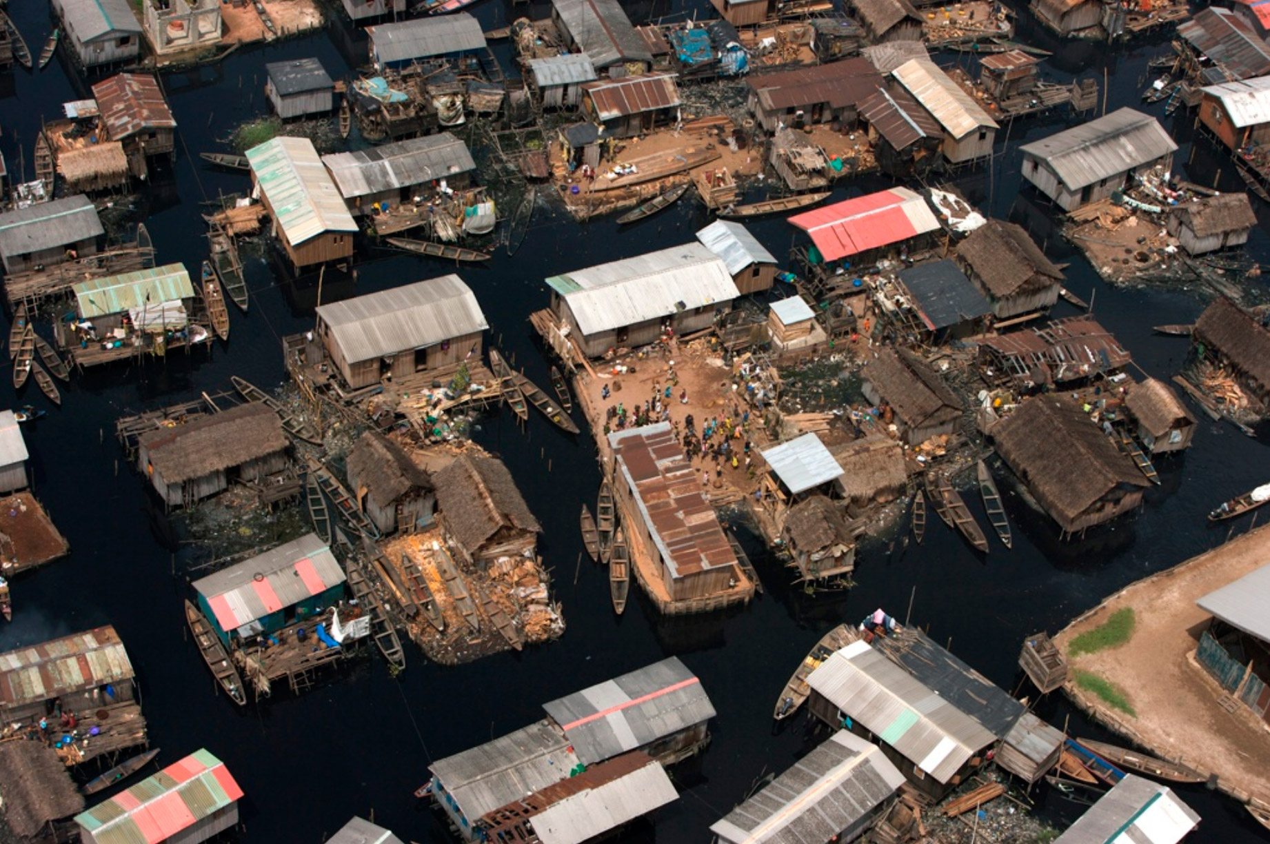 makoko-floating-slum-09