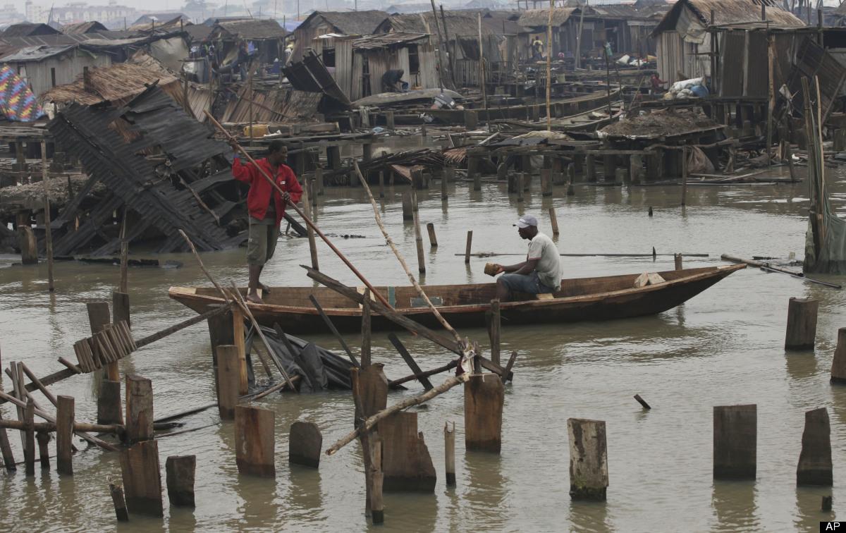 makoko-floating-slum-11