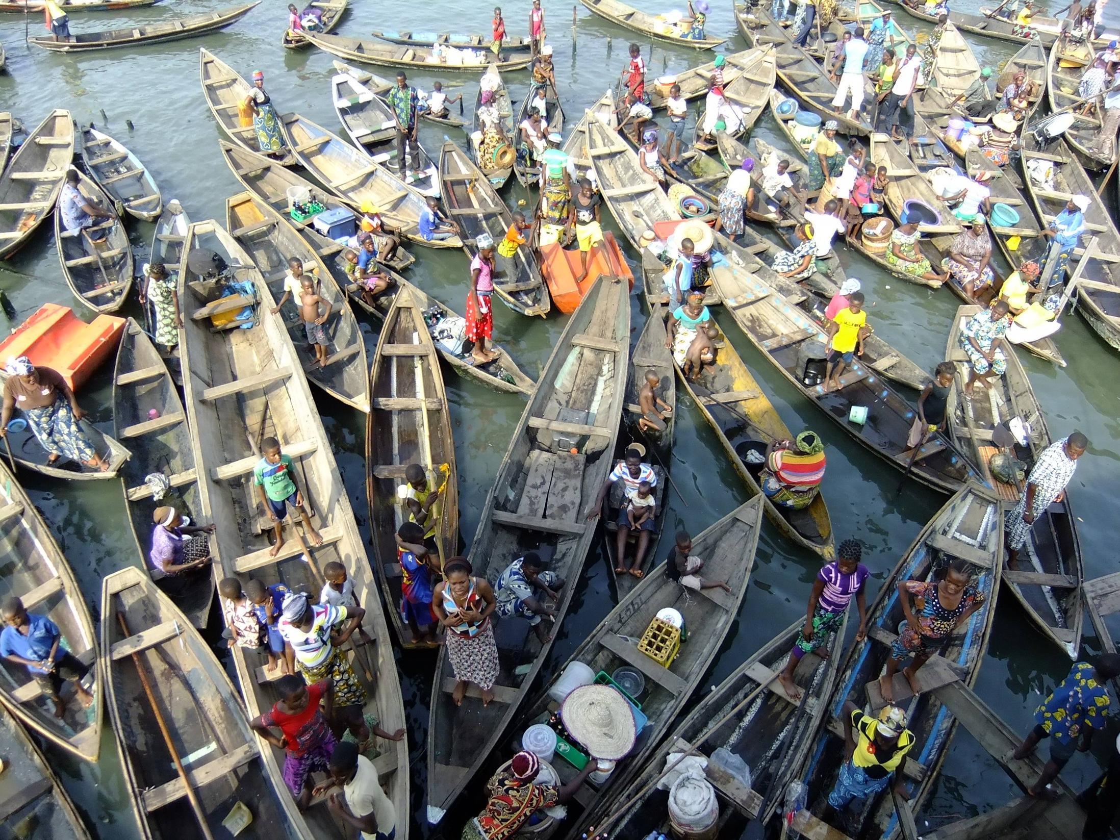 makoko-floating-slum-12