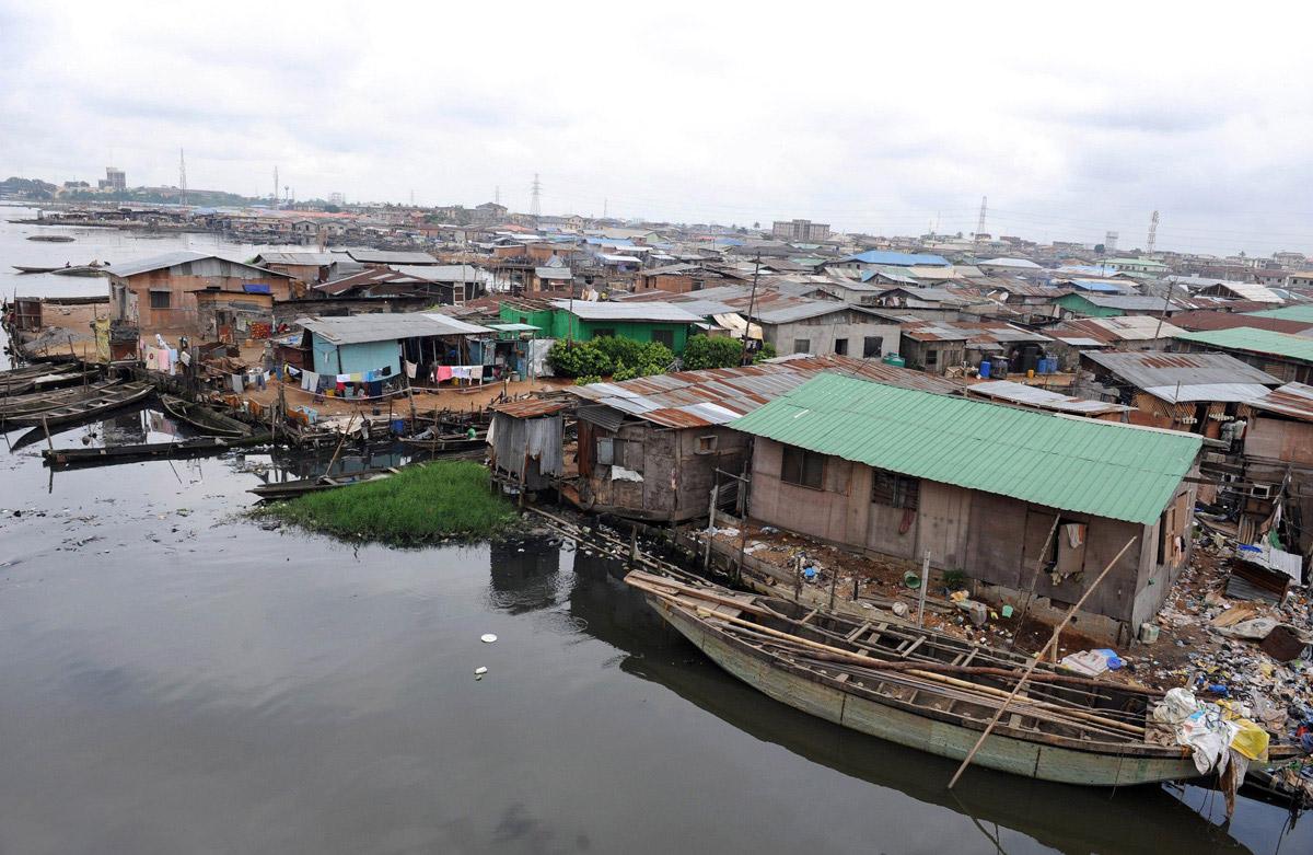 makoko-floating-slum-13