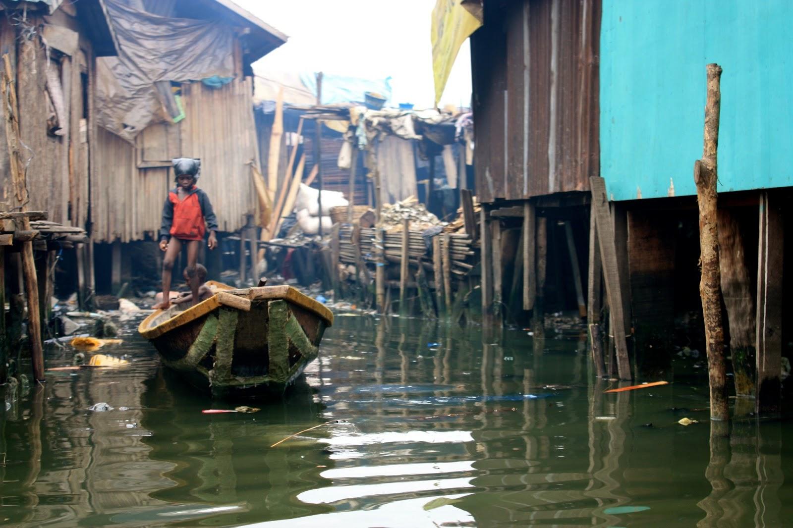 makoko-floating-slum-15