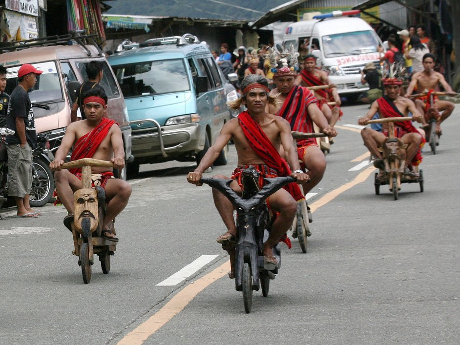 banaue-philippines-wooden-scooters-05
