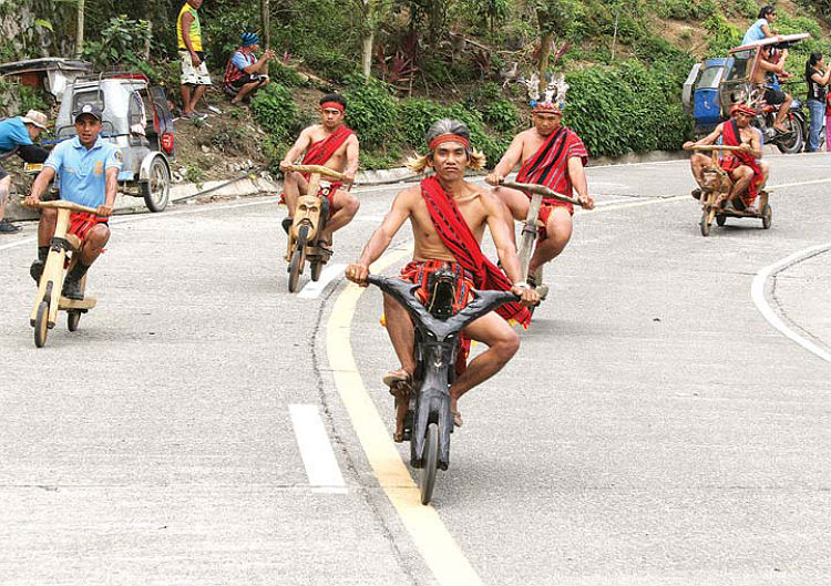 banaue-philippines-wooden-scooters-08