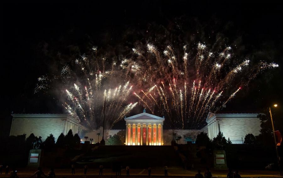 july-4th-fireworks-philadelphia-pennsylvania