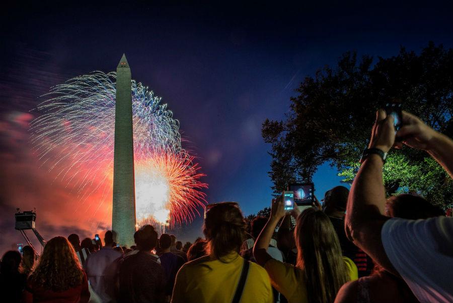 july-4th-fireworks-washington-dc-1