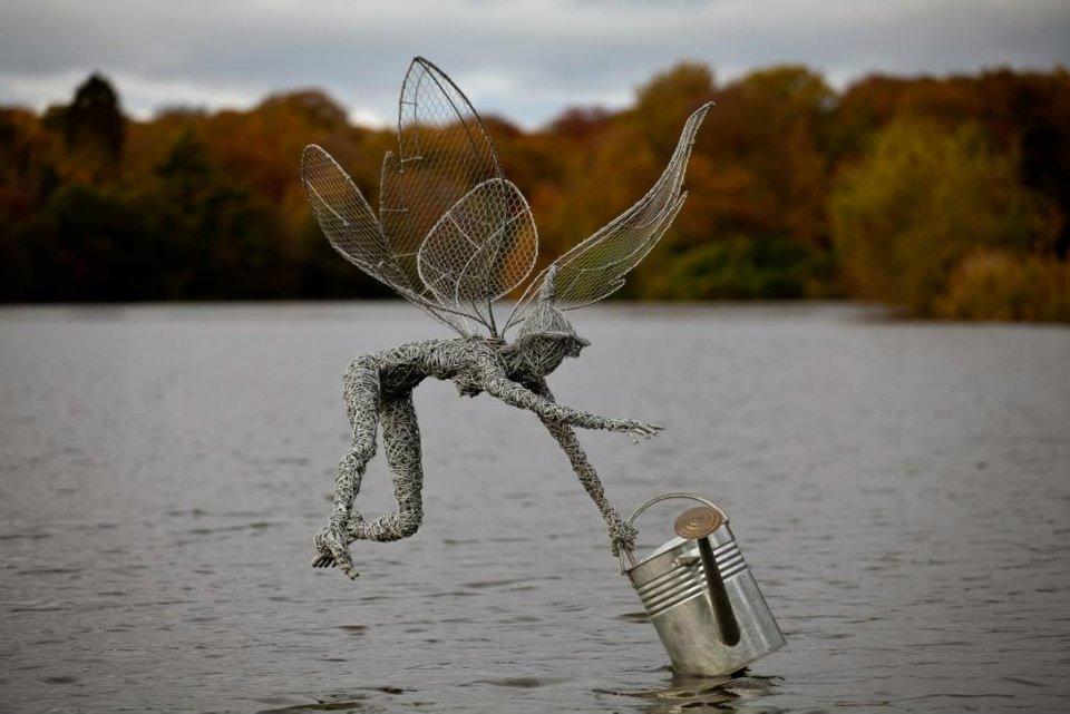 breathtaking lifelike steel wire fairies lost in internet. Black Bedroom Furniture Sets. Home Design Ideas