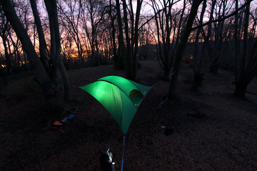 suspended-treehouse-tent-tentsile-alex-shirley-smith-10