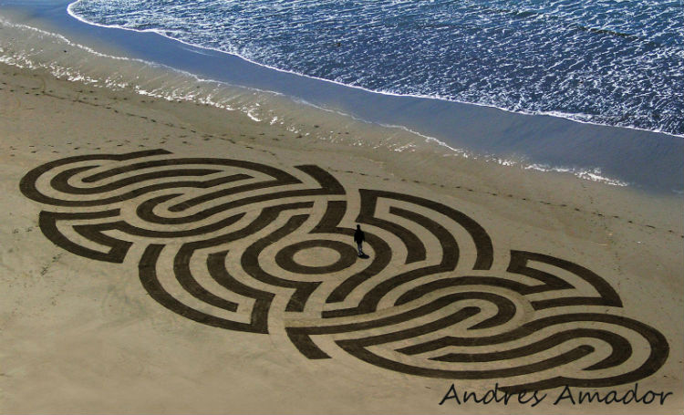 andres-amador-sand-art-tangents-02