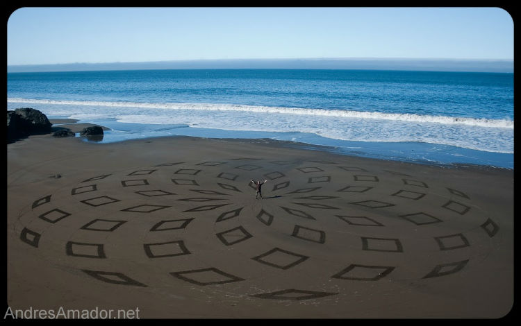 andres-amador-sand-art-tangents-14
