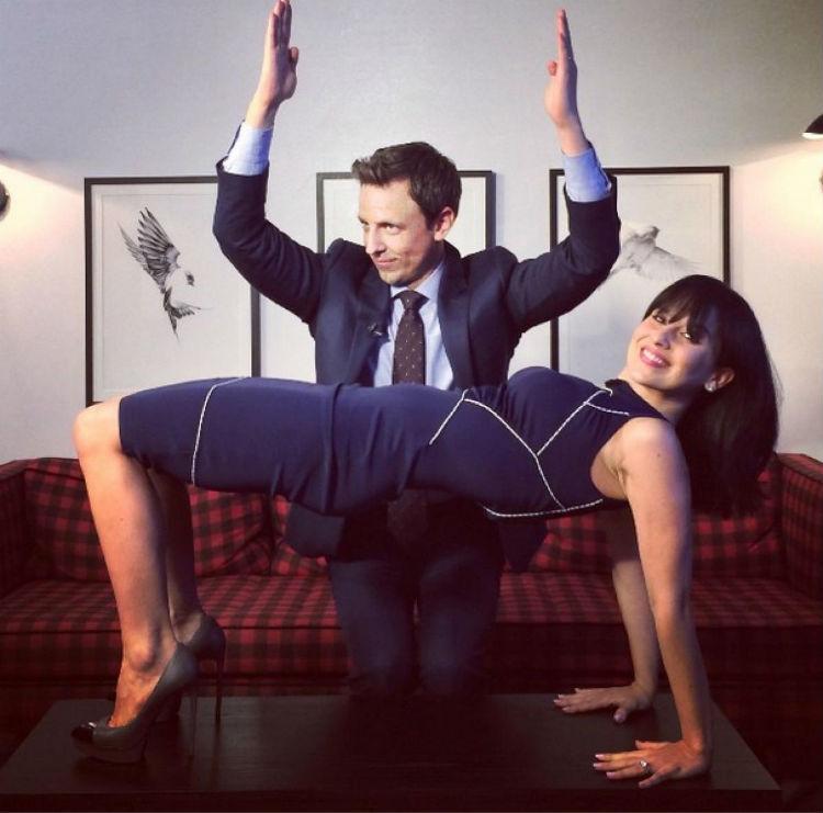hilaria-baldwin-yoga-postures-of-the-day-17