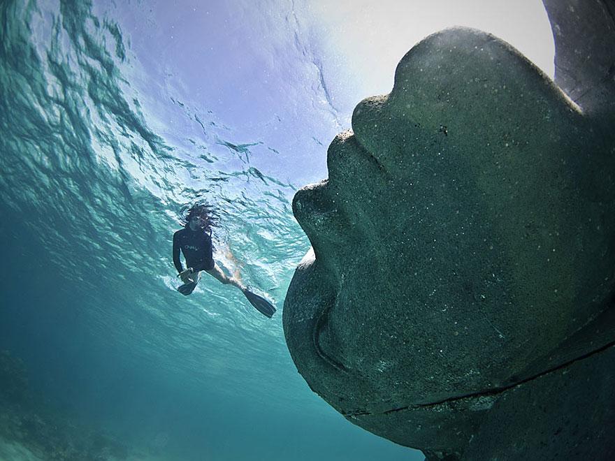 ocean-atlas-jason-decaires-taylor-04