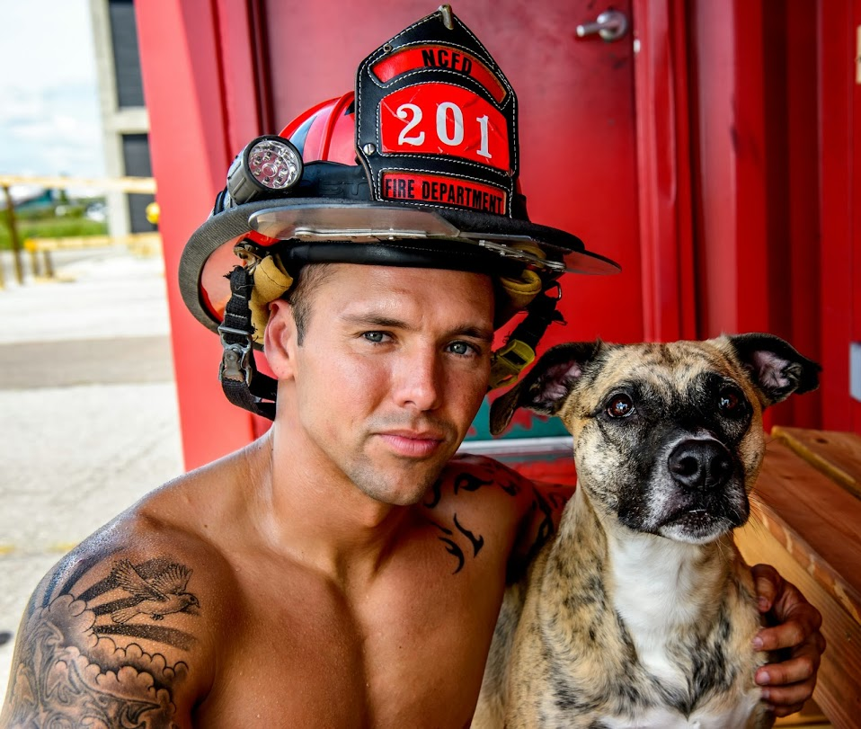 2015-firefighters-puppies-calendar-02