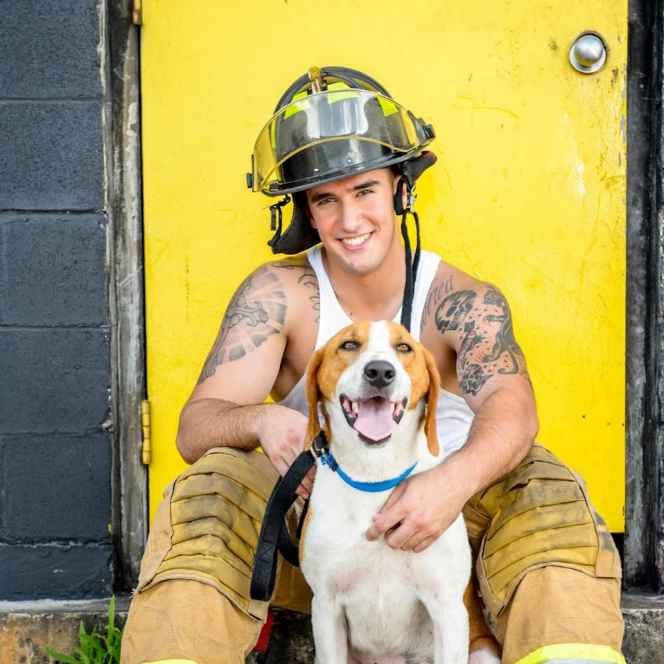 2015-firefighters-puppies-calendar-03