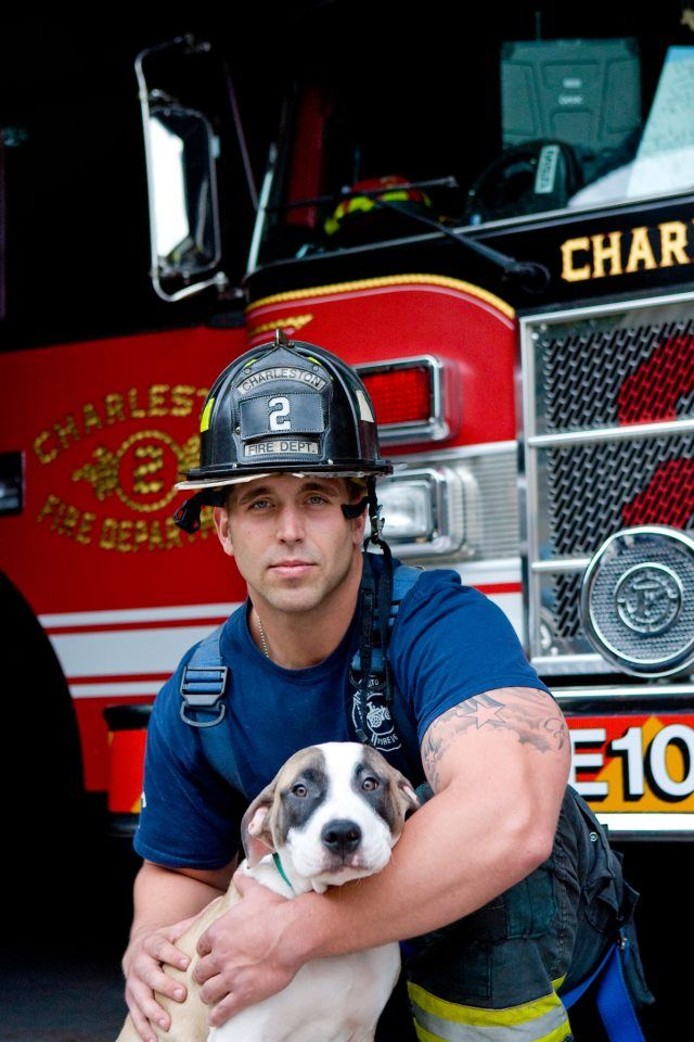 2015-firefighters-puppies-calendar-05