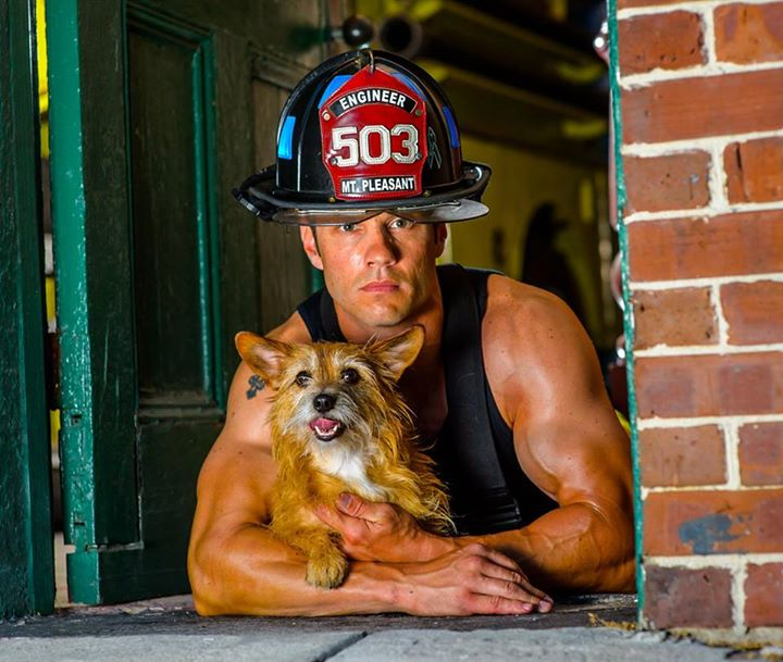 2015-firefighters-puppies-calendar-07