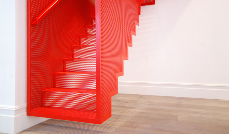 hanging_red_staircase_london_house_diapo_04
