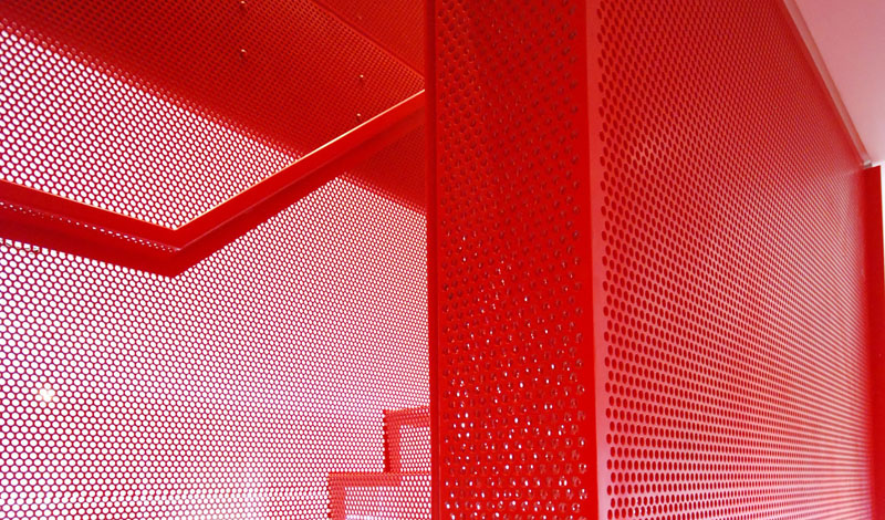 hanging_red_staircase_london_house_diapo_07
