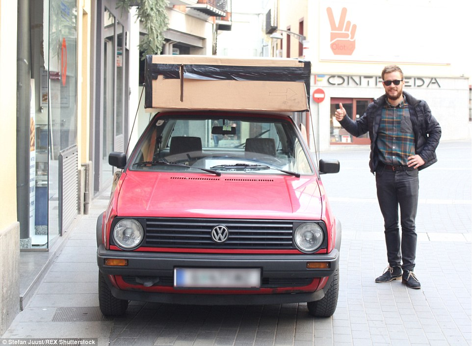Travelbox-Stefan-Juust-Portable-Apartment-in-a-box-05