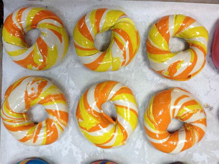 bagel_store_newyork_rainbow_bagels_04