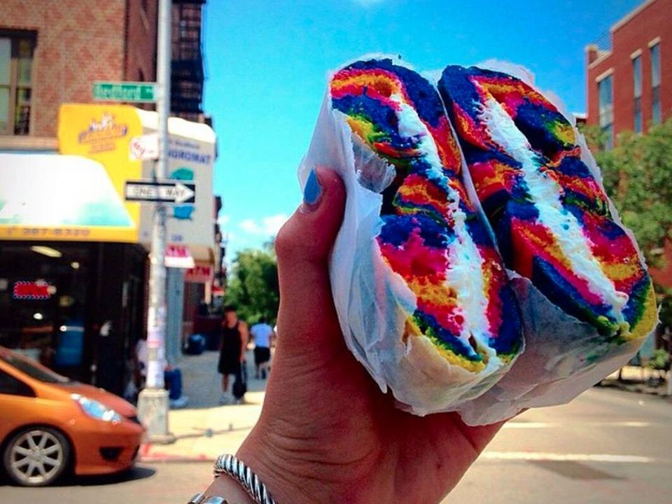bagel_store_newyork_rainbow_bagels_10