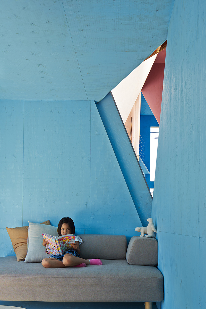 Kochi-Architects-Studio-Apartment-House-Chiba-05