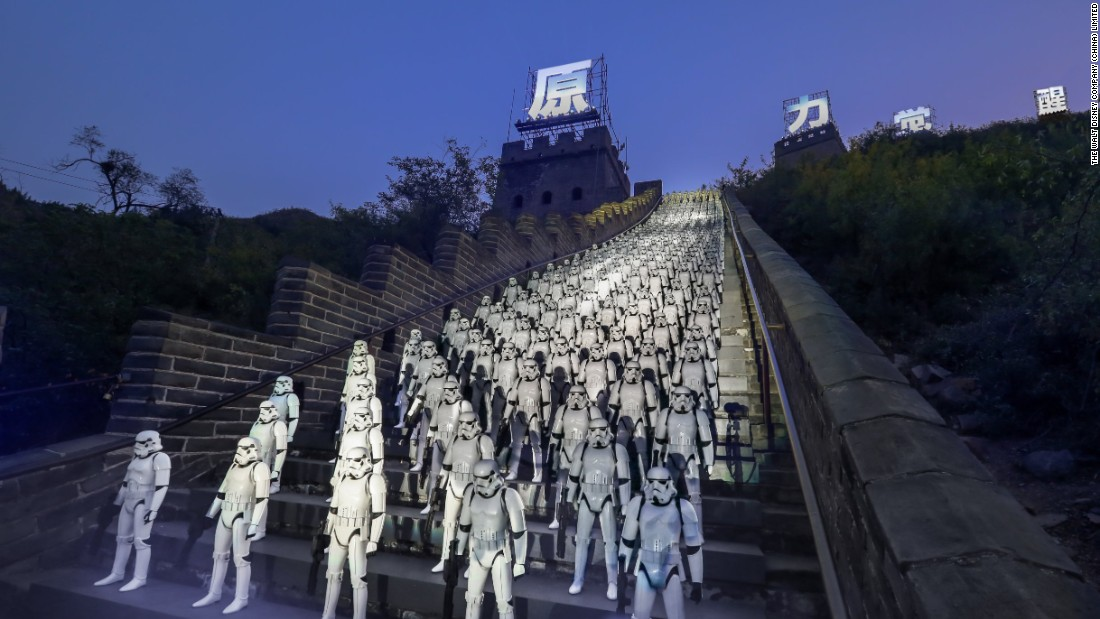 starwars_stormtroopers_great_wall_of_china_force_awakens_01