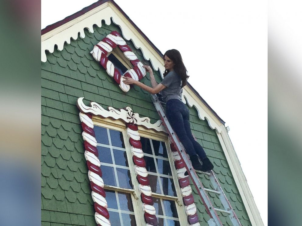 christine_mcconnell_hansel_and_gretel_gingerbread_house_03