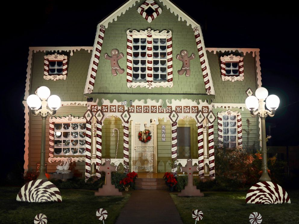 christine_mcconnell_hansel_and_gretel_gingerbread_house_05
